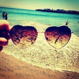 summer-heart-shaped-sunglasses-love-summer